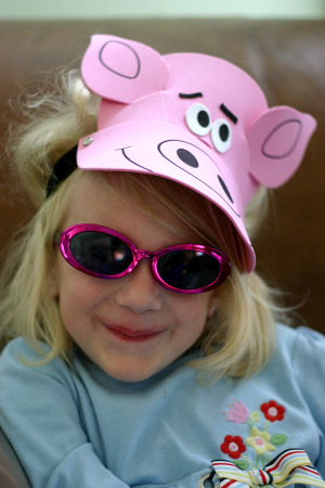 Zo_in_the_pig_hat